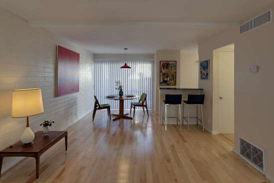 University-of-Arizona-Apartment-Building-498541.jpg