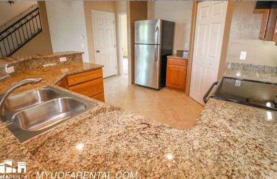 University-of-Arizona-Apartment-Building-499180.png
