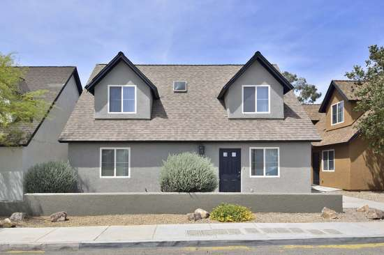 University-of-Arizona-Apartment-Building-505064.jpg
