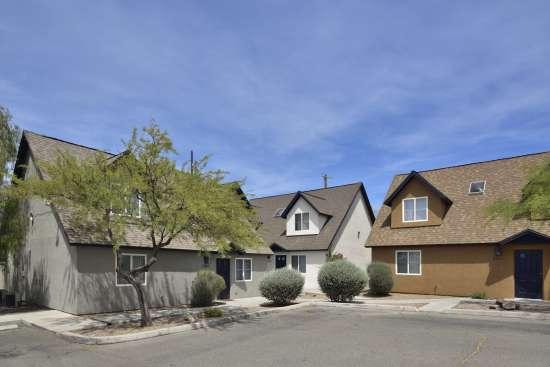 University-of-Arizona-Apartment-Building-505066.jpg
