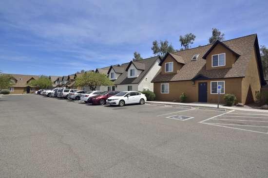 University-of-Arizona-Apartment-Building-505067.jpg