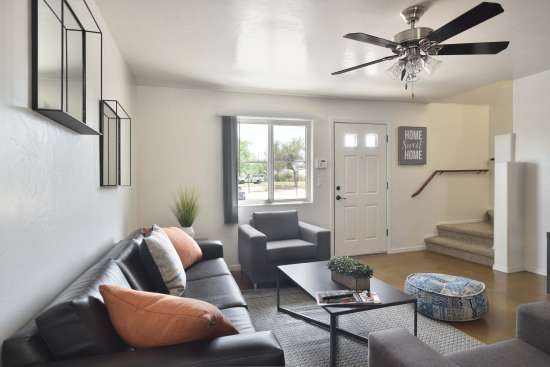 University-of-Arizona-Apartment-Building-505072.jpg