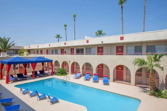 University-of-Arizona-Apartment-Building-505185.jpeg