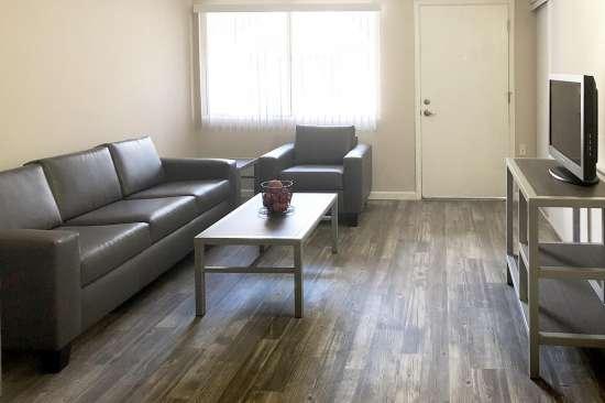 University-of-Arizona-Apartment-Building-507777.jpg