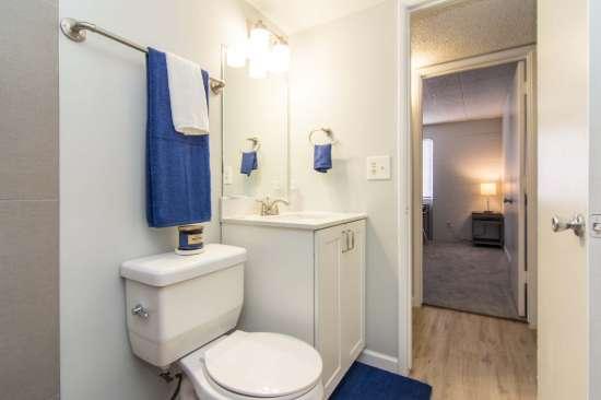 University-of-Arizona-Apartment-Building-512889.jpg