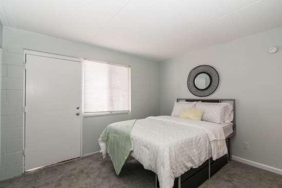 University-of-Arizona-Apartment-Building-512899.jpg