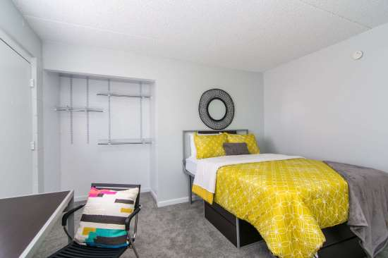 University-of-Arizona-Apartment-Building-512901.jpg