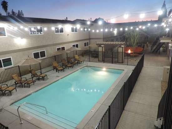 California-State-University---Fresno-Apartment-Building-530691.jpeg