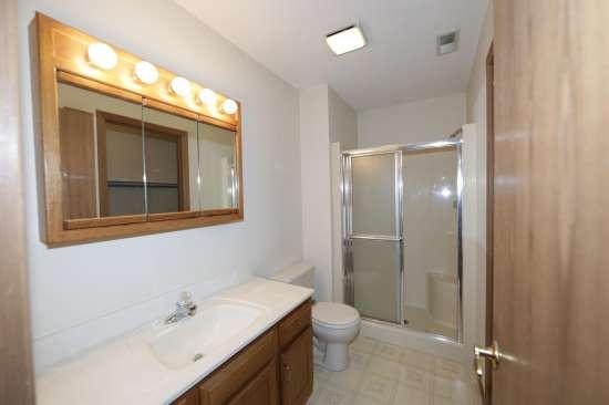 Eastern-Illinois-University-Apartment-Building-531336.JPG