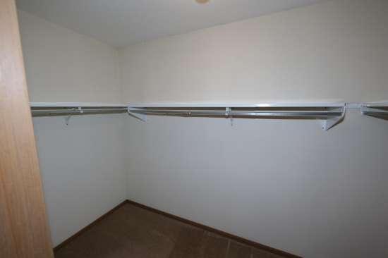 Eastern-Illinois-University-Apartment-Building-531337.JPG