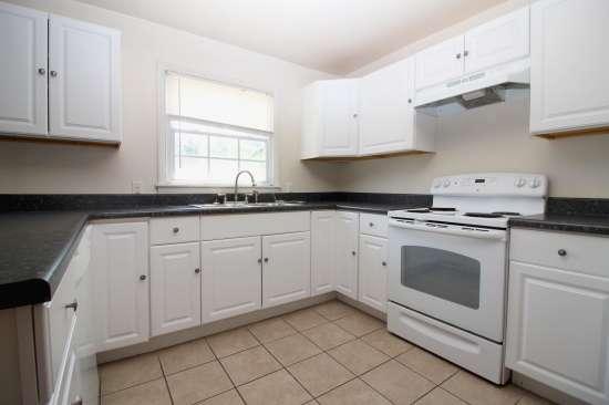 Eastern-Illinois-University-Apartment-Building-531449.jpg