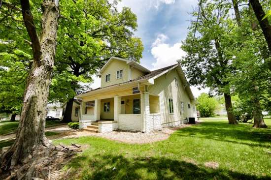 Eastern-Illinois-University-House-531496.JPG