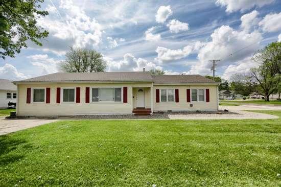 Eastern-Illinois-University-House-531576.JPG