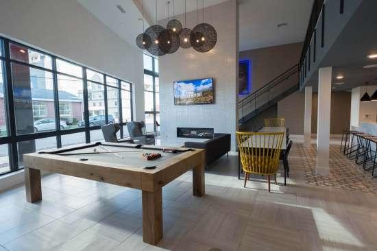 UIUC-Apartment-Building-527991.jpg