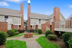 Bedroom Apartment Building at  - 733 W Glenn Ave, Auburn, AL  36832, United States image 20