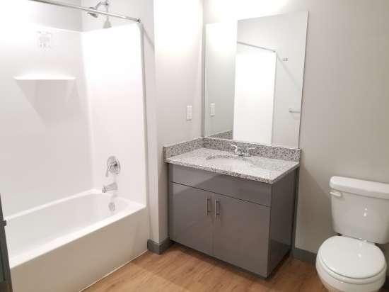 UIUC-Apartment-Building-552870.jpg