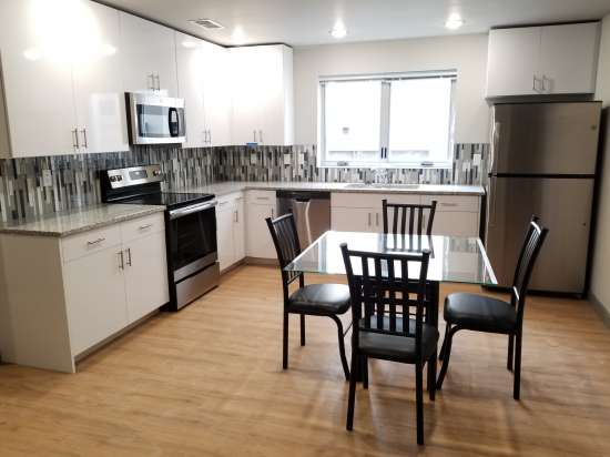 UIUC-Apartment-Building-552871.jpg