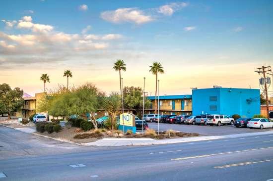 University-of-Arizona-Apartment-Building-554472.jpg