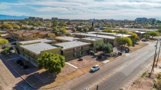 University-of-Arizona-Apartment-Building-554473.jpg
