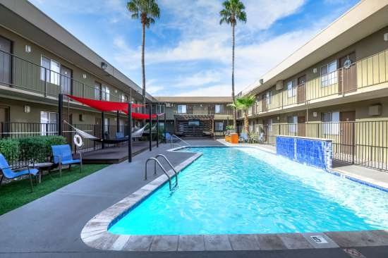 University-of-Arizona-Apartment-Building-554475.jpg