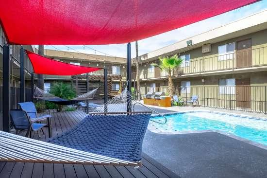 University-of-Arizona-Apartment-Building-554477.jpg