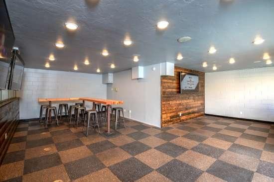 University-of-Arizona-Apartment-Building-554479.jpg