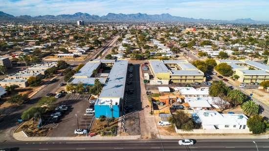 University-of-Arizona-Apartment-Building-554488.jpg