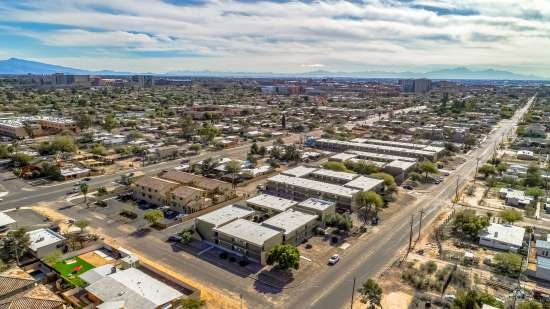 University-of-Arizona-Apartment-Building-554491.jpg