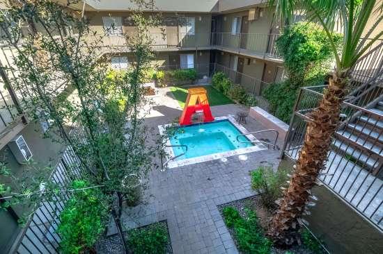 University-of-Arizona-Apartment-Building-554496.jpg