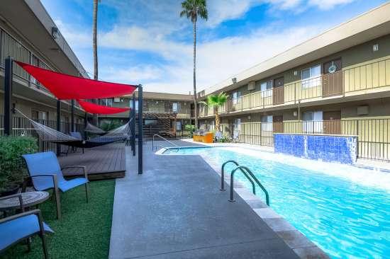 University-of-Arizona-Apartment-Building-554502.jpg