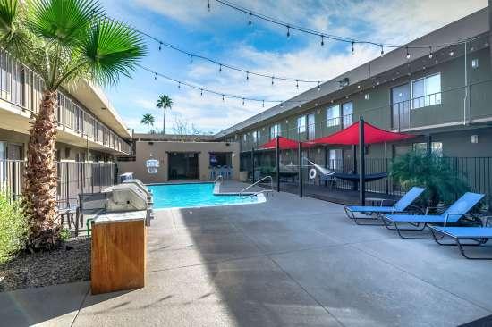 University-of-Arizona-Apartment-Building-554503.jpg