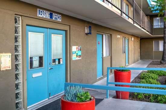 University-of-Arizona-Apartment-Building-554504.jpg