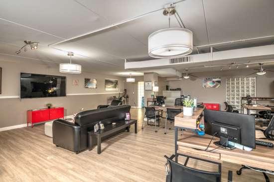 University-of-Arizona-Apartment-Building-554511.jpg