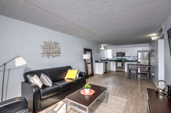 University-of-Arizona-Apartment-Building-554513.jpg