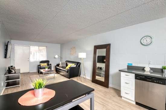University-of-Arizona-Apartment-Building-554515.jpg