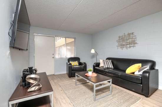 University-of-Arizona-Apartment-Building-554516.jpg