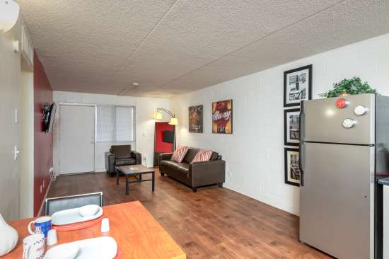University-of-Arizona-Apartment-Building-554523.jpg