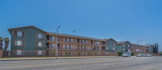 CSU-Dominguez-Hills-Apartment-Building-560860.jpg
