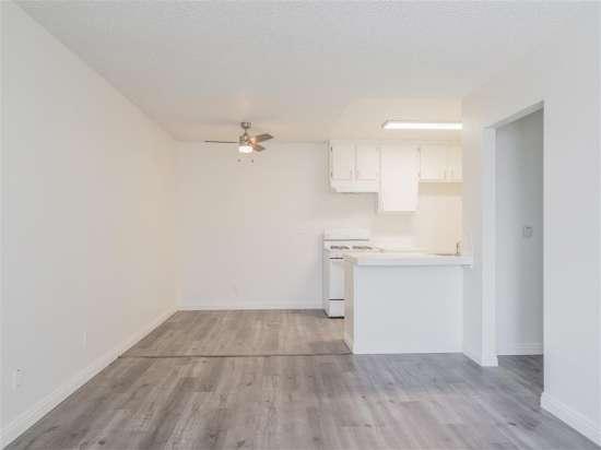 CSU-Dominguez-Hills-Apartment-Building-560863.jpg