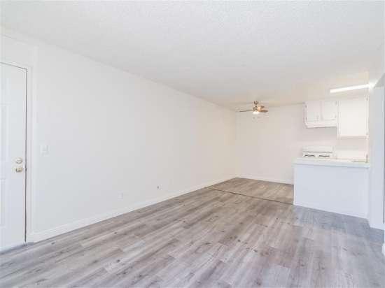 CSU-Dominguez-Hills-Apartment-Building-560864.jpg