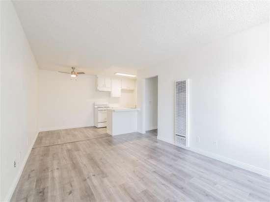 CSU-Dominguez-Hills-Apartment-Building-560868.jpg