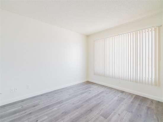 CSU-Dominguez-Hills-Apartment-Building-560871.jpg