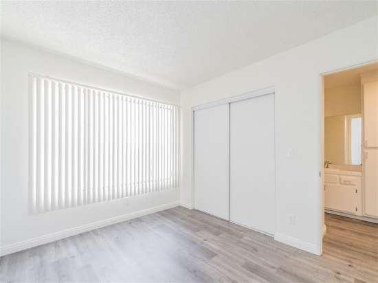 CSU-Dominguez-Hills-Apartment-Building-560872.jpg