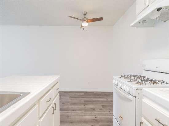 CSU-Dominguez-Hills-Apartment-Building-560875.jpg