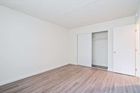 CSU-Dominguez-Hills-Apartment-Building-561025.jpg