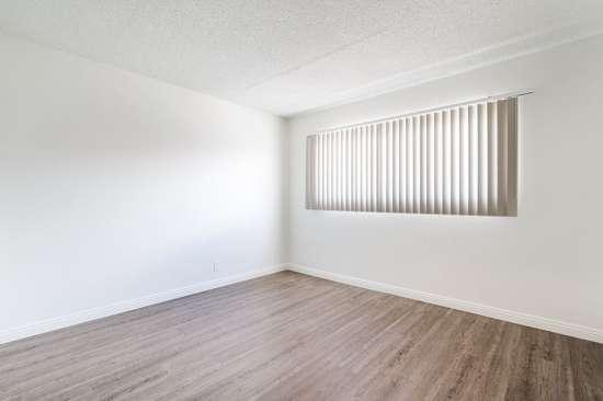 CSU-Dominguez-Hills-Apartment-Building-561026.jpg