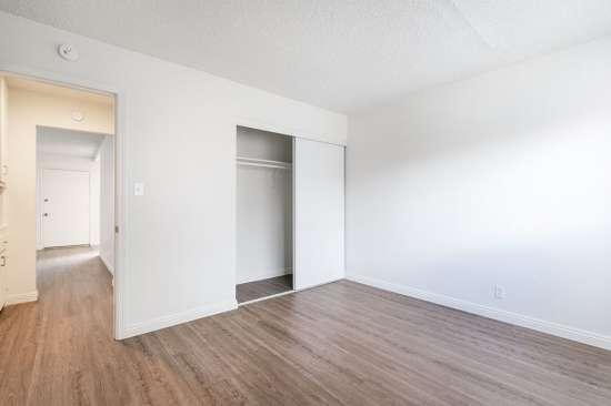 CSU-Dominguez-Hills-Apartment-Building-561028.jpg