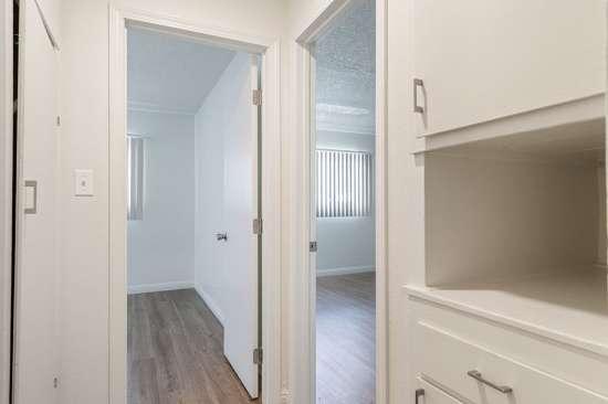 CSU-Dominguez-Hills-Apartment-Building-561029.jpg