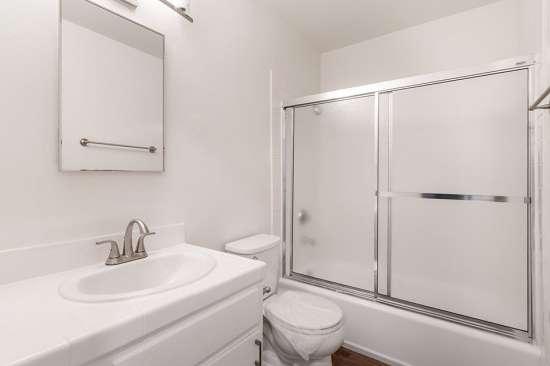 CSU-Dominguez-Hills-Apartment-Building-561030.jpg
