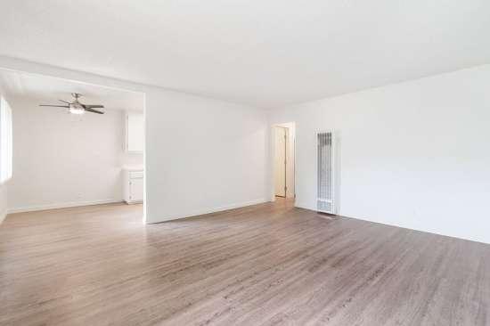 CSU-Dominguez-Hills-Apartment-Building-561031.jpg